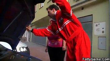 Русская расплатилась натурой за ремонт смотреть видео бред