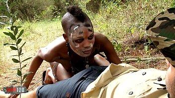 aborigeni-trahayut-devku