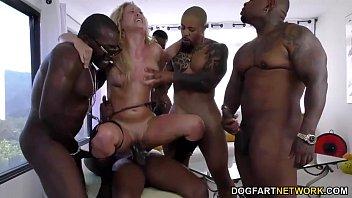 Групповое порно в петером, попе женщины